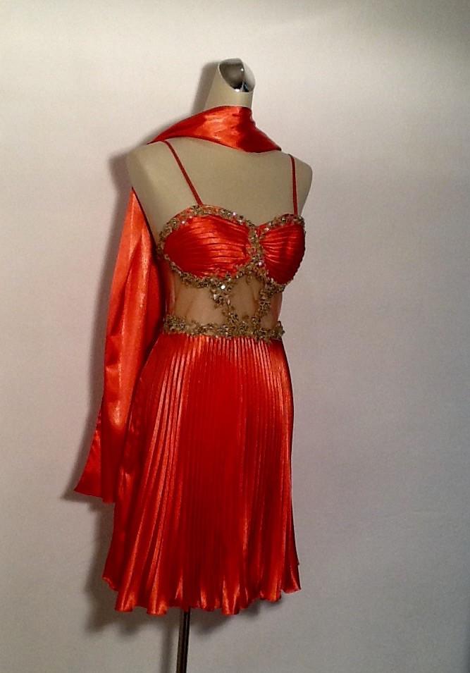 bf16ae978c1 Платье банкетное шелковое короткое с палантином - Интернет-магазин