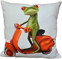 Декоративная подушка Лягушенок на мопеде