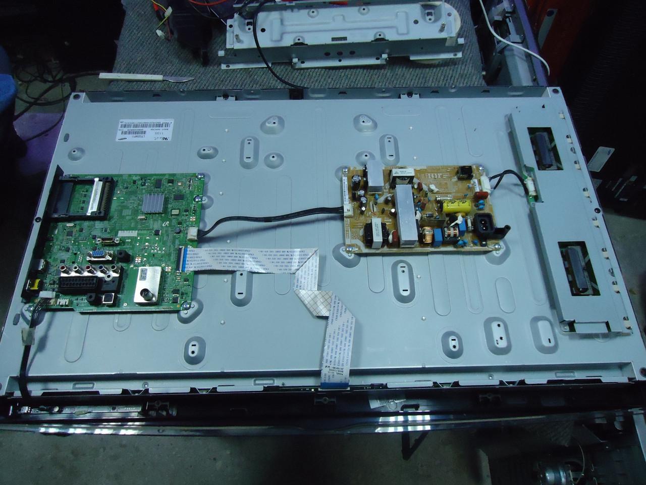 """Телевизор 32"""" Samsung LE-32D450 на запчасти (SST320-4UA01,BN96-12469Q, BN44-00438A)"""