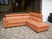 Кожаный угловой диван, пастельного оранжевого цвета. арт 1497