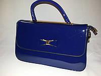 Лаковая сумка-клатч синяя