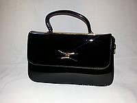 Лаковая сумка-клатч черная