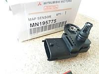 Датчик абсолютного давления Mitsubishi Colt Lancer MN195775