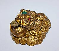 Статуэтка Трехлапая Жаба Богатства с Золотым Слитком на Монетах (под бронзу)