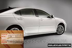 Молдинги на двери передние задние цвет Ultra White Lexus GS 2013-17 новые оригинальные
