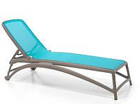 Лежак пластиковый Atlantico  бежевый/голубой