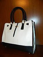 женская сумка SalvadoroFeragamo белая с черным