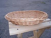 Тарелка поменьше овальная плетенная из лозы. Хлебница плетенная