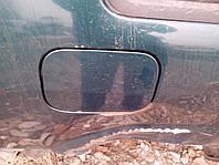 Кришка бака Volkswagen Passat B4.