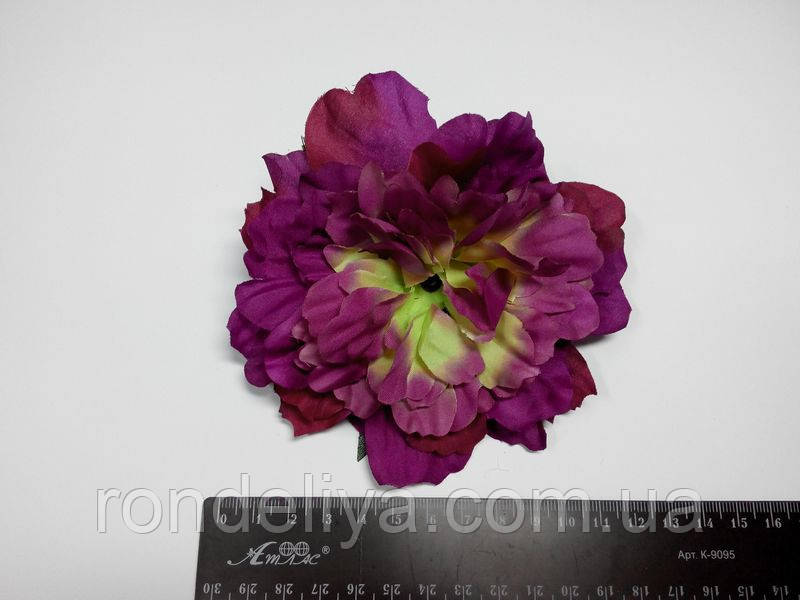 Фіолетовий квітка
