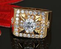 Стильное кольцо - печатка с фианитами, покрытое золотом (130720)