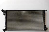 Радиатор охлаждения Citroen Berlingo 1.9D/2.0HDI +AC MAXGEAR AC251572