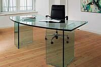 Стеклянный письменный стол для офиса