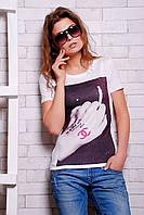 Оригинальная стильная футболка с коротким рукавом и дизайнерским принтом на передней полочке из микромасла