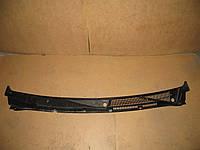 Пластик под лобовое стекло (2 части) Ford Connect (-06) OE:2T14A02217AK
