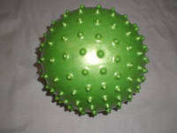 Мячик игровой с шипами, диаметр - 20 см., вес - 70 г