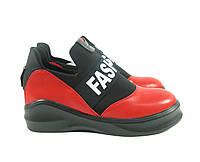 Модные кроссовки красные fashion
