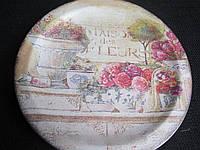 Тарелка деревянная с тематическим рисунком
