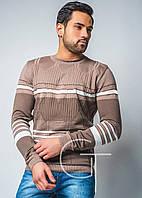 Демисезонный свитер с узором и полосками