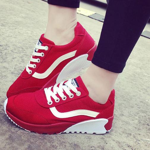 Модные женские кроссовки. Модель 04244