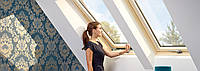 Мансардне вікно VELUX OPTIMA Комфорт GLR 3073B FR 06 дерев'яне 66х118 см