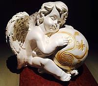 Статуэтка Ангел с шаром белого цвета №12