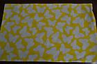 Наволочка детская 40*60 на молнии серо - желтого цвета с бабочками и зигзагами, фото 2