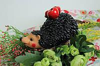 Садовая фигура Ежик с яблоками.