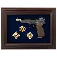 Подарок пистолет Стечкина и награды МВД Украины