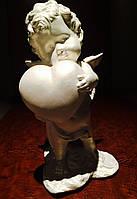 Статуэтка Ангел мальчик с сердцем белого цвета №26