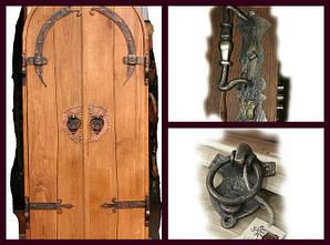 Кованые двери, дверные аксессуары (ручки, петли, засовы)