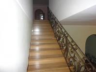 Кованные металлические перила для лестниц