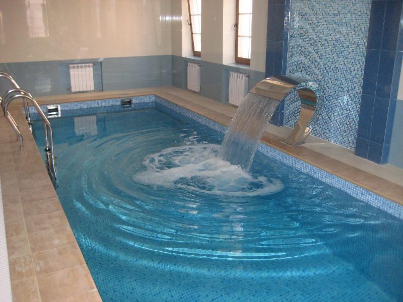 Стандартный комплект химии для запуска бассейна