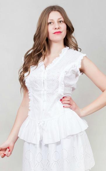 фотография белая женская блузка на пуговицах