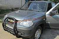 Защита переднего бампера кенгурятник крашенный с надписью на Chevrolet Niva Bertone