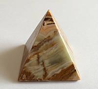 Пирамида из камня оникс (4 х 3,8 см.)