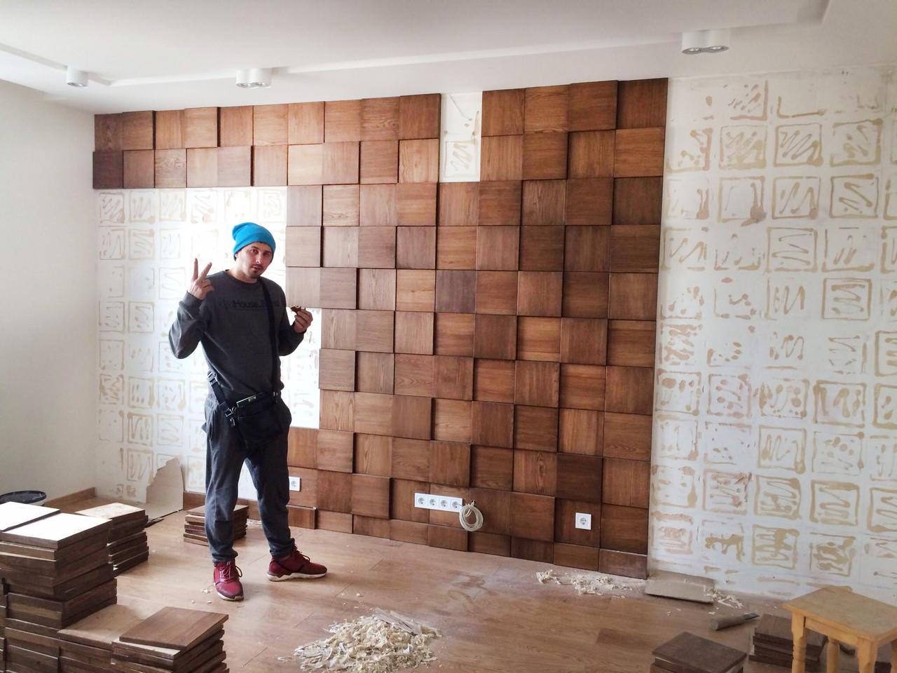 Декор стены на кухне деревом
