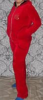 Велюровый женский  костюм в крассном цвете