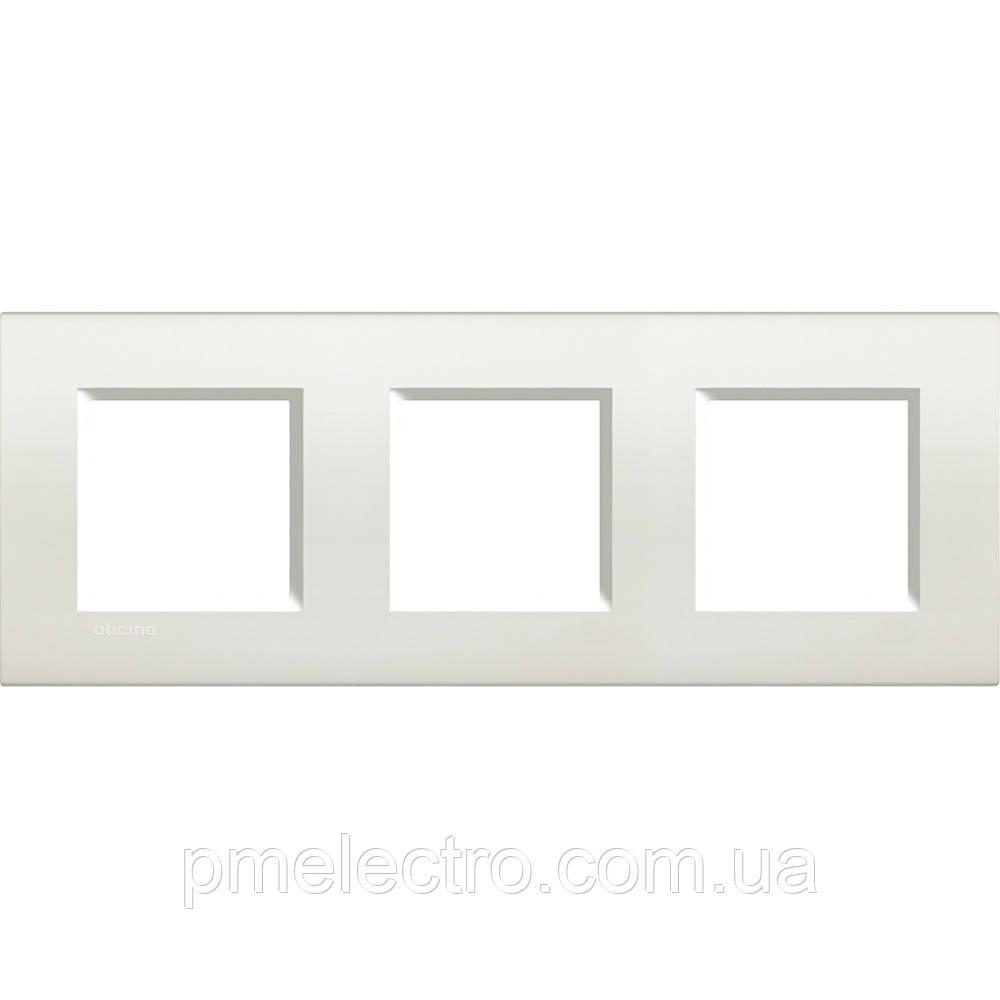 LivingLight Рамка прямоугольная, 3 поста, цвет Белый