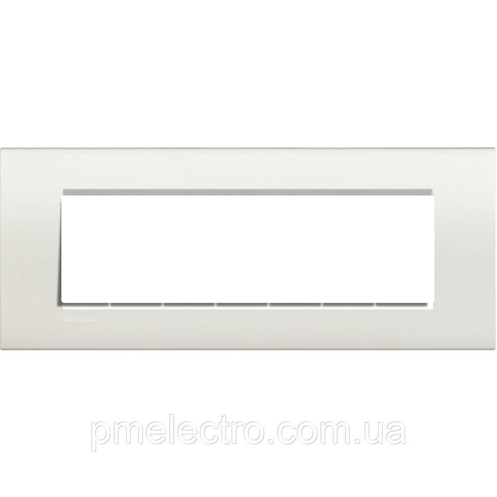 LivingLight Рамка прямоугольная, 7 модулей, цвет Белый