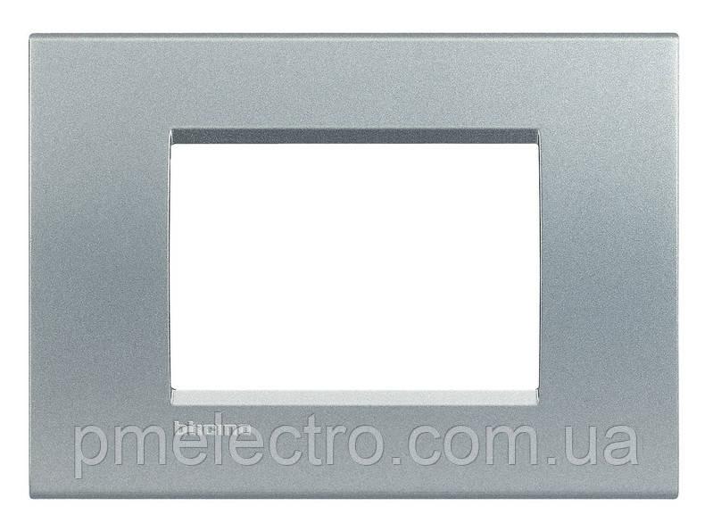LivingLight Рамка прямоугольная, 3 модуля, цвет Алюминий