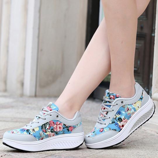Модні жіночі кросівки. Хіт весни ! Різні моделі.