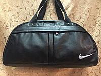 Спортивная сумка Nike из чёрного кожзама с белой нашивкой, Найк