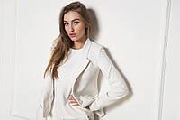 Женский деловой пиджак белого цвета