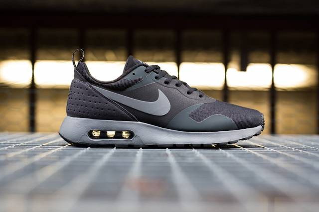 "Кроссовки Nike Air Max Tavas ""Black/Cool Grey"""