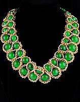 Зеленое украшение на шею из агата