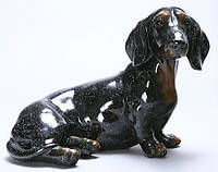 Фигурка черная собака такса