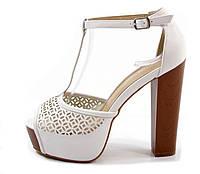 Туфли летние белые на каблуке Б573