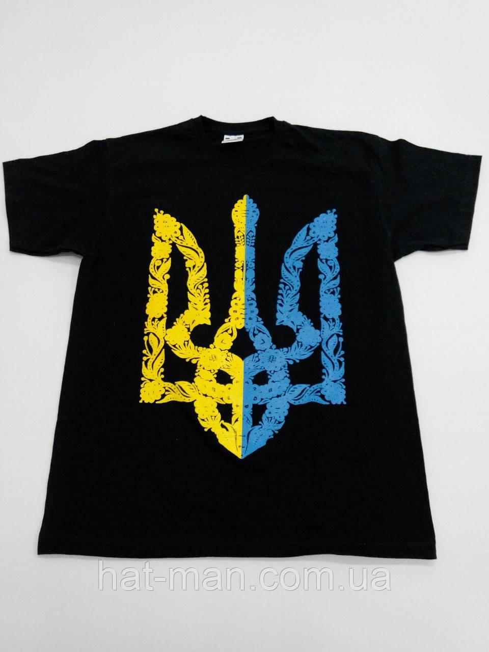 Футболка з жовто-синім гербом України