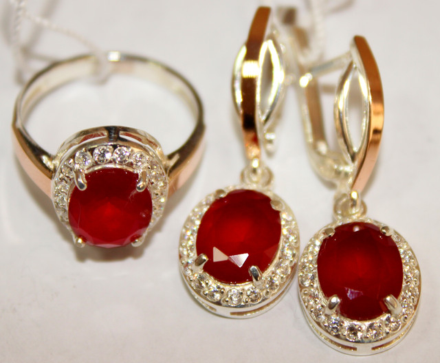 Комплект серебряный с золотом и красным рубином им. Анжела